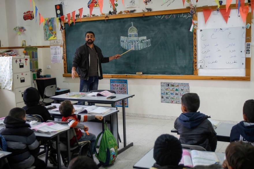 Ilustrativo: una clase palestina en la Escuela Salem, Jerusalén Este, 6 de diciembre de 2017. (Nasser Ishtayeh / Flash90)