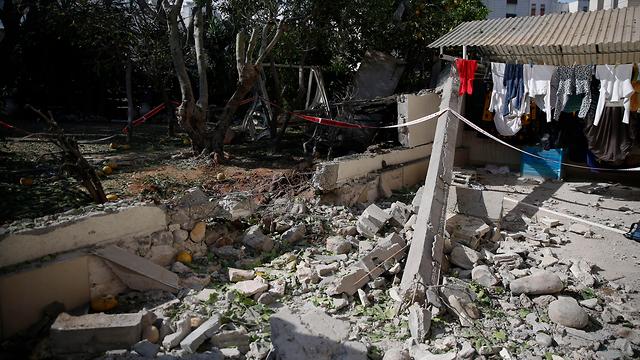 Casa en Ashkelon golpeada por un cohete de Gaza (Foto: AP)