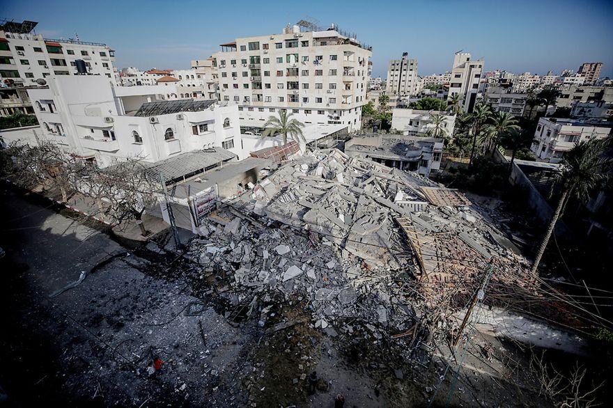 Edificio de varios pisos aplanado en Gaza después del ataque de las FDI (Foto: EPA)