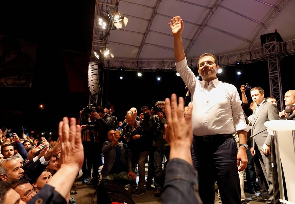 Ekrem Imamoglu, el candidato de la oposición CHP que ganó las elecciones de Estambul que ahora se han anulado, se dirige a un mitin en Estambul.6 de mayo de 2019.Lefteris Pitarakis, AP