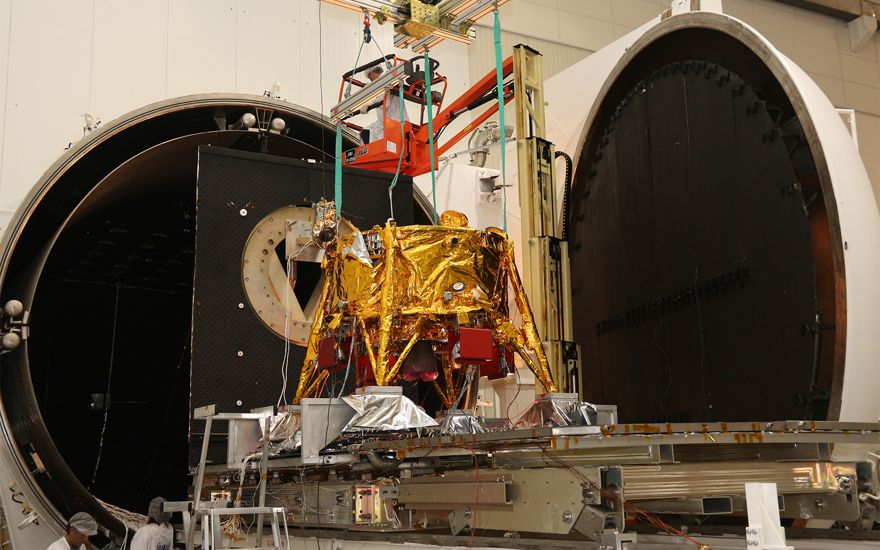 La nave espacial Bereshit fotografiada antes de su lanzamiento. (Cortesía / Industria Aeroespacial de Israel)
