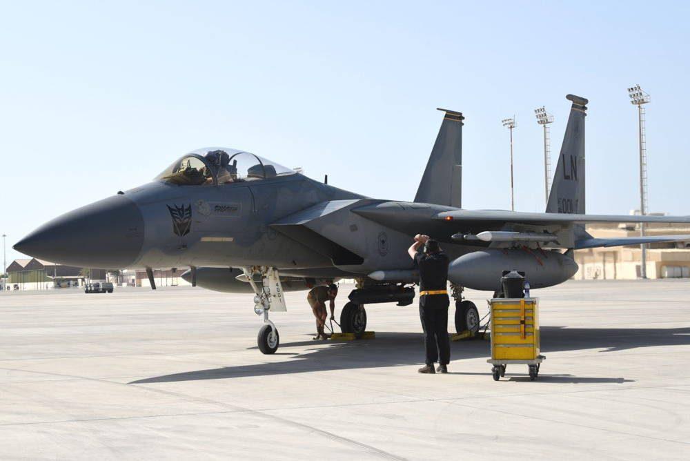 F-15C armados llegan a Medio Oriente en medio de acusaciones de amenazas iraníes