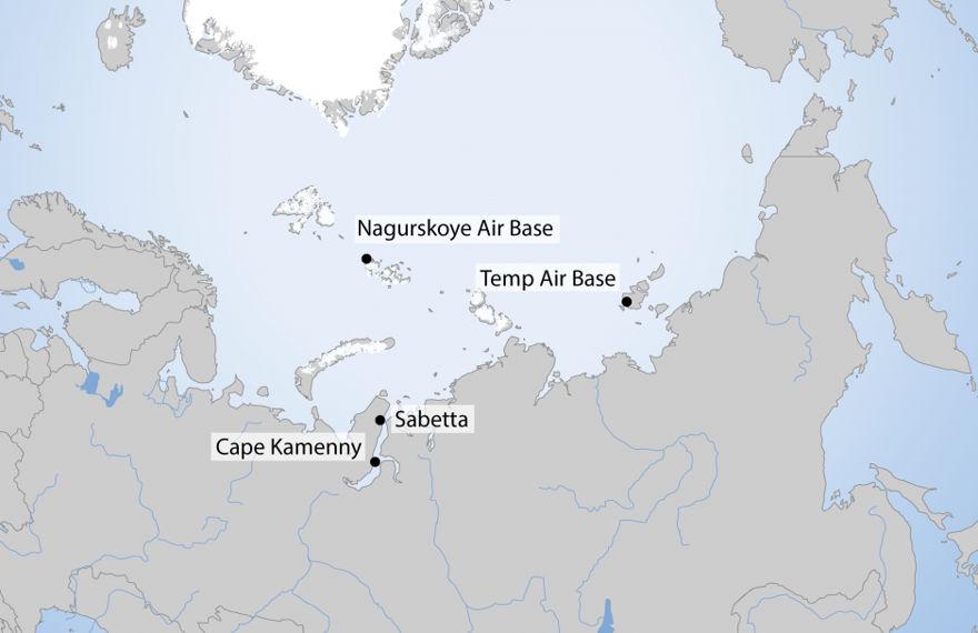 Ubicación de bases militares y proyectos económicos seleccionados del Ártico ruso. (Fuente: propio trabajo del autor)