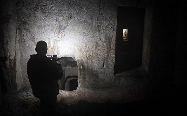 Una de las varias cámaras funerarias de la tumba de los reyes en el este de Jerusalem. (Thomas Coex / AFP)
