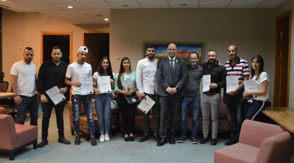 Algunos de los participantes en el curso, con los organizadores, Elias Zarina (cristiano) y Amit Barak (judío), los fundadores de la Iniciativa de los Jerosolimitanos