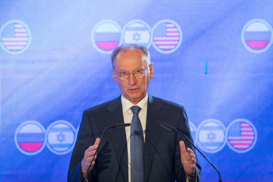 El secretario del Consejo de Seguridad Ruso, Nikolai Patrushev, habla en una cumbre trilateral con Israel y los Estados Unidos en el Hotel Orient en Jerusalén el 25 de junio de 2019. (Noam Revkin Fenton \ Flash90)