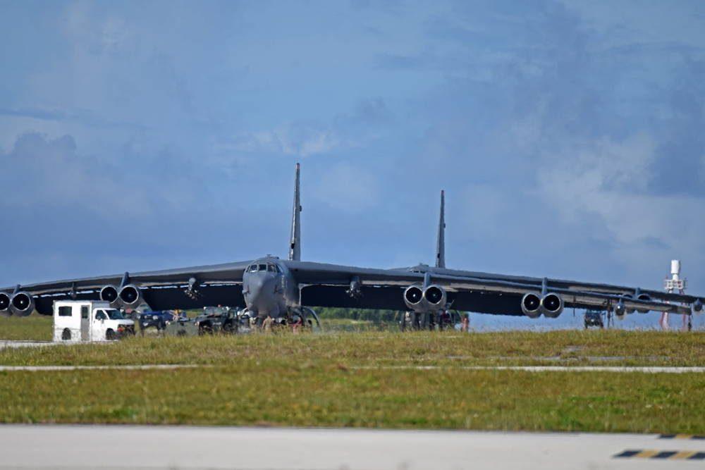 Fuerza Aérea de los EE.UU. despliega las B-52 Stratofortresses de Minot en Guam