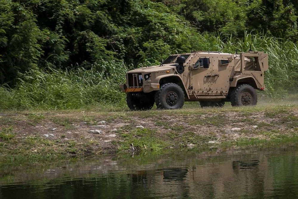 Marines de Estados Unidos lleva a cabo el ejercicio de entrenamiento de campo JLTV