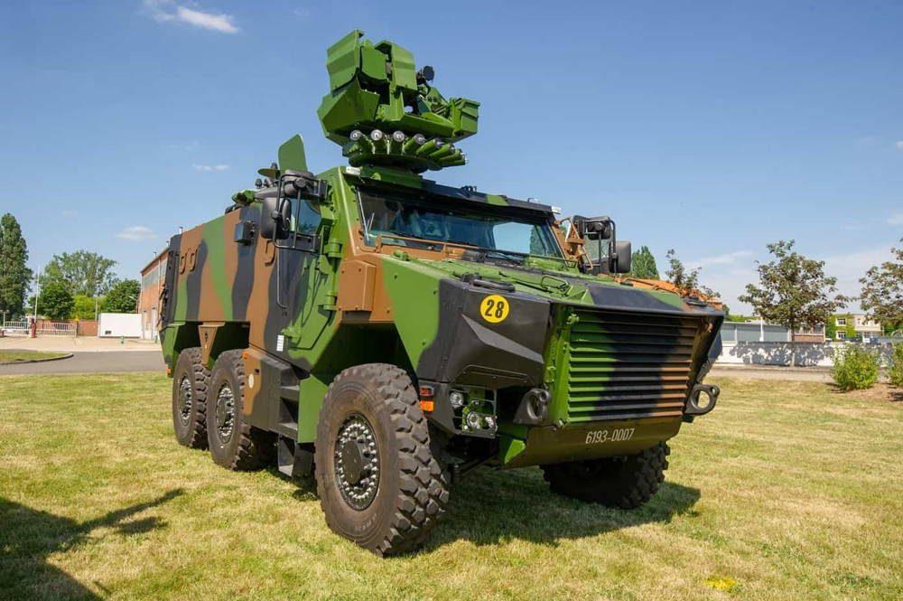Ejército de Francia introdujo los primeros vehículos blindados multipropósito VBMR Grifón