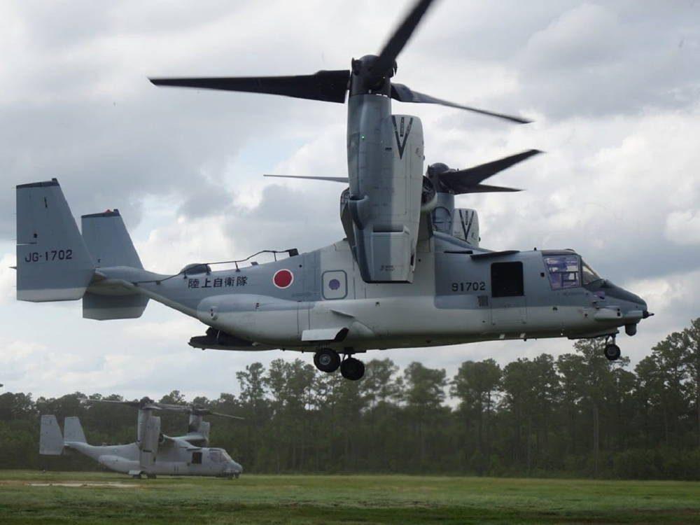 Fuerza de Autodefensa Terrestre de Japón tweeteó nuevas imágenes de su nuevo avión Osprey.