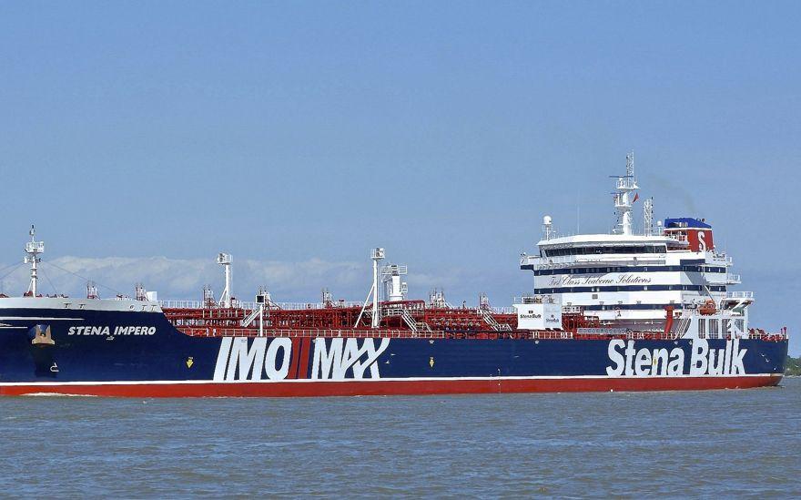 """Irán asegura que confiscó el petrolero británico debido a un """"accidente naval"""" en el Estrecho de Ormuz"""