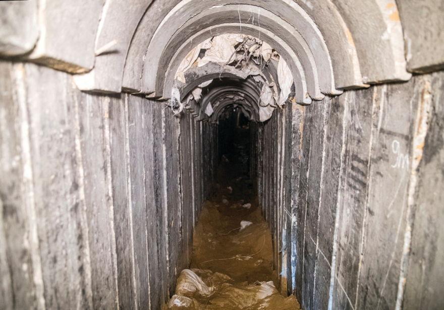 Vista general del interior de un túnel de ataque transfronterizo excavado desde Gaza a Israel, cerca de Kissufim, visto el 18 de enero de 2018. (Crédito de la foto: REUTERS / JACK GUEZ)
