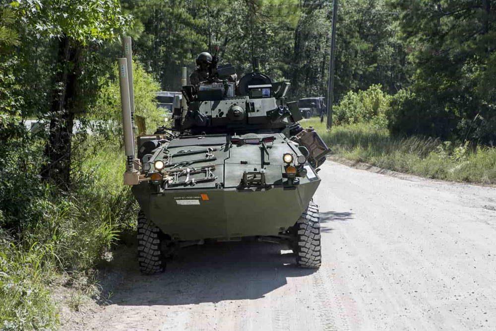 Infantería de Marina de los EE.UU. lleva a cabo incursiones motorizadas