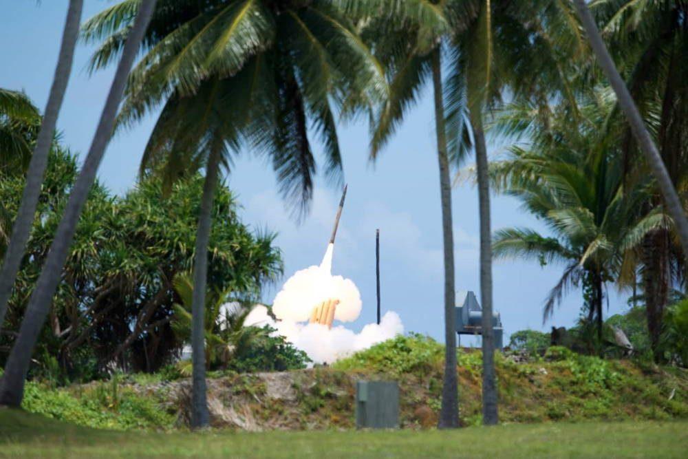 Sistema THAAD interceptó con éxito un misil balístico de medio alcance
