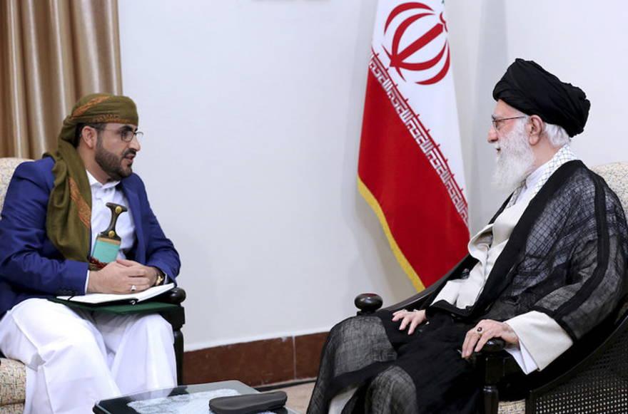 Reunión de Khamenei demuestra que los hutíes son un representante de Irán en Yemen