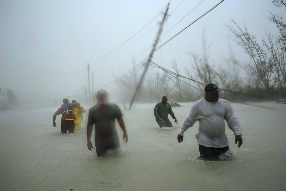 El paso del huracán dejó inundaciones en Bahamas (AP Photo/Ramon Espinosa)