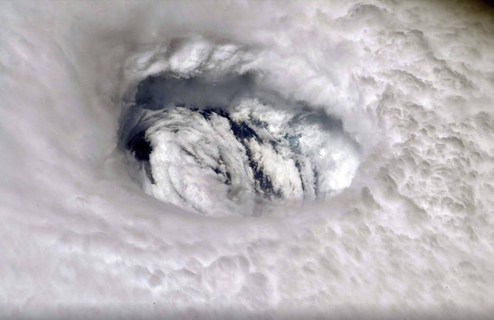 La furia del huracán desde el espacio (Nick Hague/NASA vía AP)