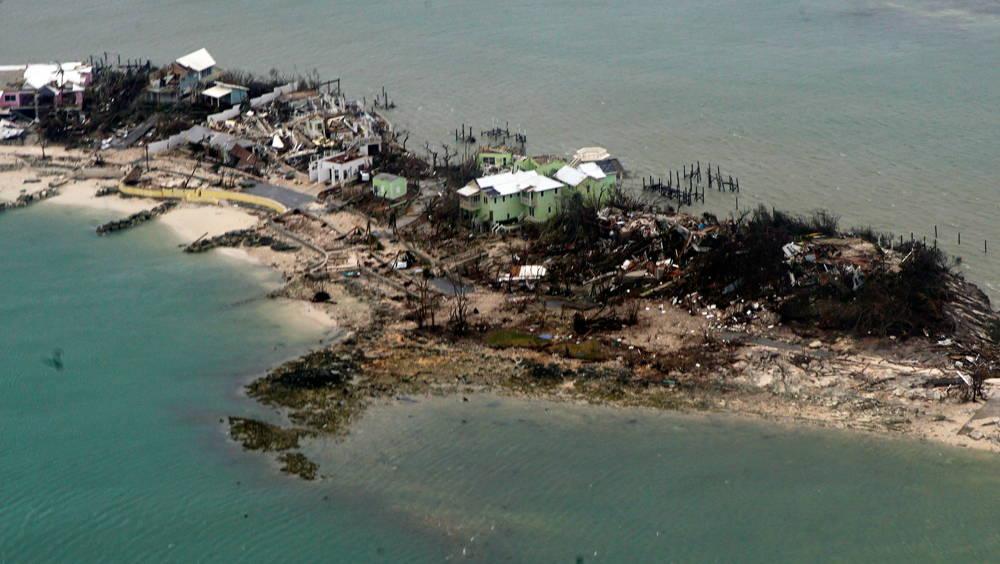 Bahamas sintió la furia del huracán (AFP)