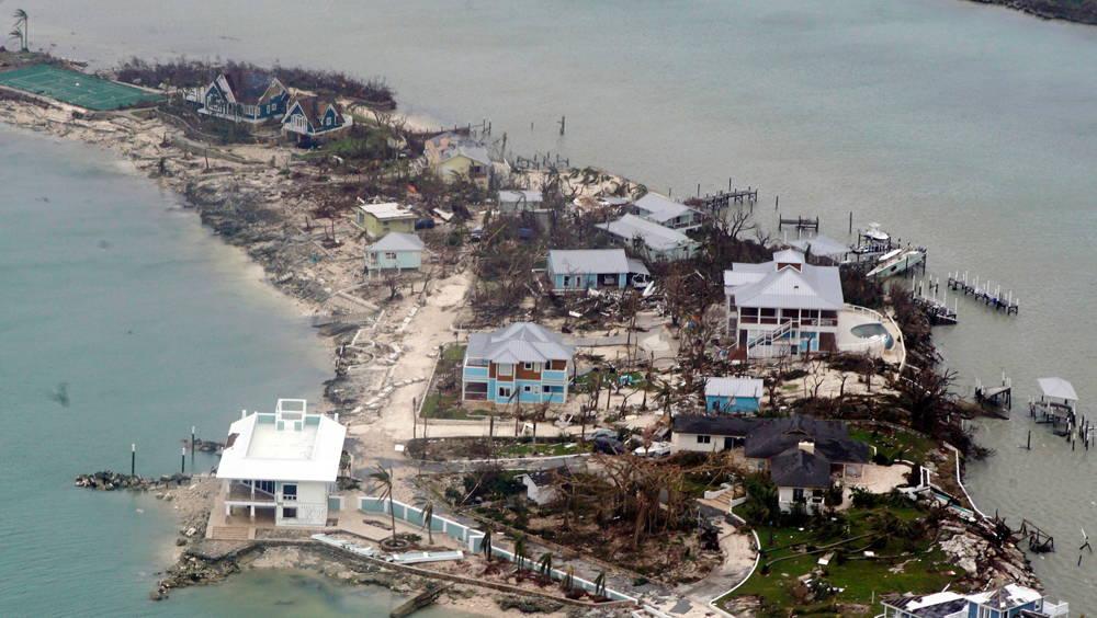 El huracán destruyó casas en Bahamas (AFP)