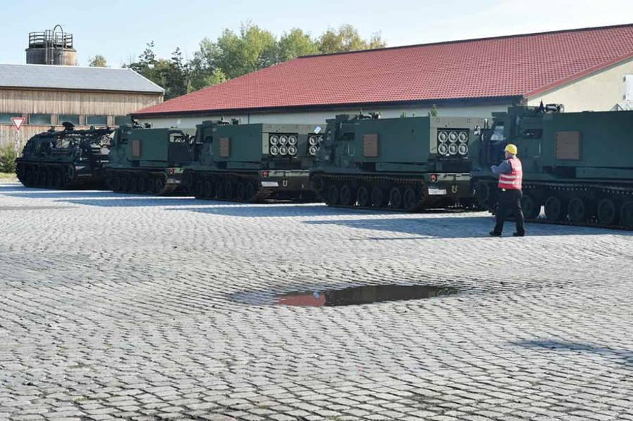 Ejército de EE.UU. despliega lanzacohetes M270 en Europa