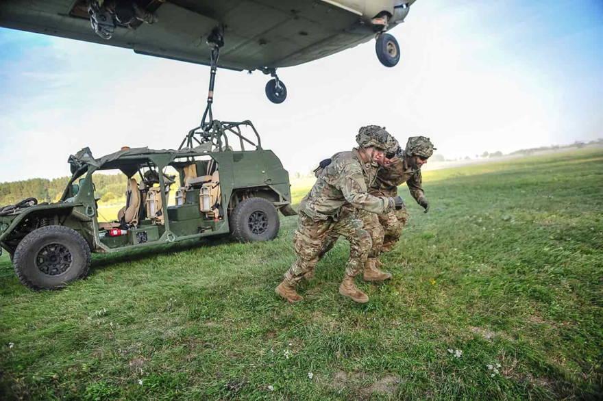 Ejército de EE.UU. continúa las pruebas de campo con sus nuevos Vehículos de Movilidad Terrestre