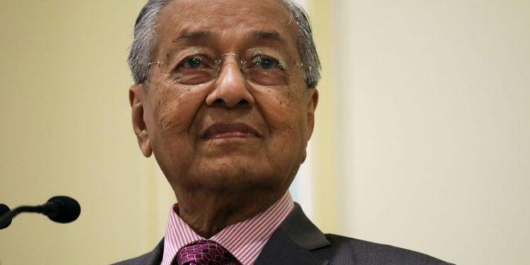 Primer ministro antisemita de Malasia presenta su renuncia