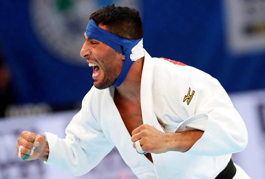 Saeid Mollaei de Irán reacciona durante el Campeonato Mundial de Judo en Tokio | Foto: Reuters / Kim Kyung-Hoon
