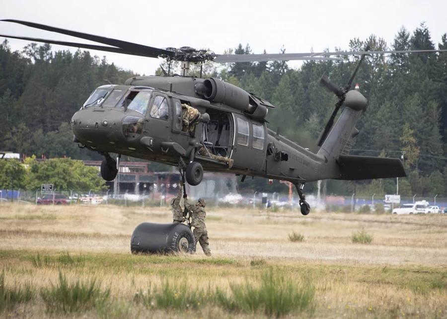 Ejército de EE.UU. modernizó la cabina de pilotaje digital UH-60V Black Hawk