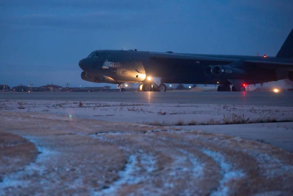 Comando Estratégico de EE.UU. envió una flota de bombarderos pesados a Europa