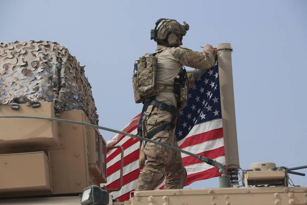 Tropas estadounidenses que se quedan en Siria podrían enfrentar amenazas del régimen de Assad