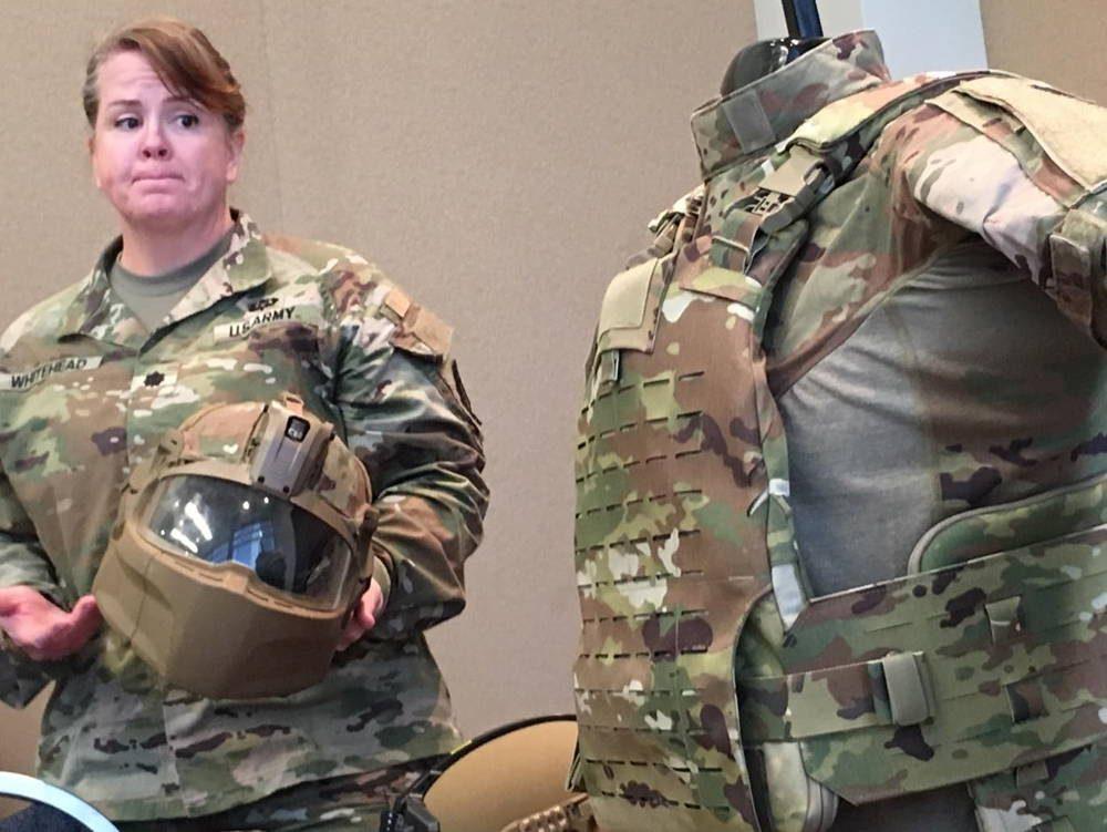 Soldados de EE.UU. recibe sistema de protección de cabeza IHPS de última generación