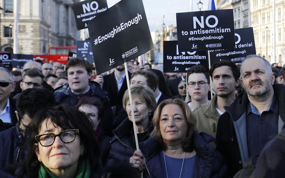 Judíos británicos protestan fuera del Parlamento contra el antisemitismo en el Partido Laborista bajo el líder Jeremy Corbyn  ( Foto: AFP )