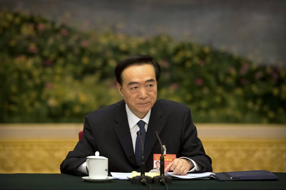 En esta foto de archivo tomada el martes 12 de marzo de 2019, Chen Quanguo, secretario del Partido Comunista de la Región Autónoma Uigur de Xinjiang de China, asiste a una reunión de discusión grupal al margen del Congreso Nacional del Pueblo (APN) de China en el Gran Salón del Pueblo en Beijing . (Foto AP)
