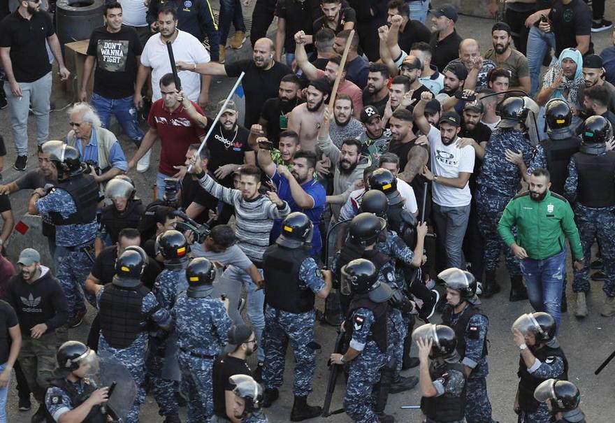 Masivas protestas amenazan el poder político de Hezbolá en Líbano - Noticias de Israel