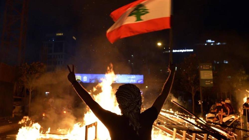 Manifestantes de Líbano obligan a Nasrallah a replantear su estrategia en medio de la crisis