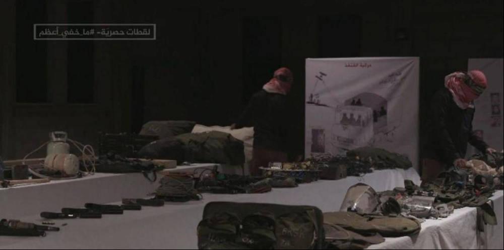 Una imagen fija tomada del informe de Al-Jazeera pretende mostrar los dispositivos de escucha de las FDI incautados por Hamas en Gaza ( Foto: captura de pantalla )