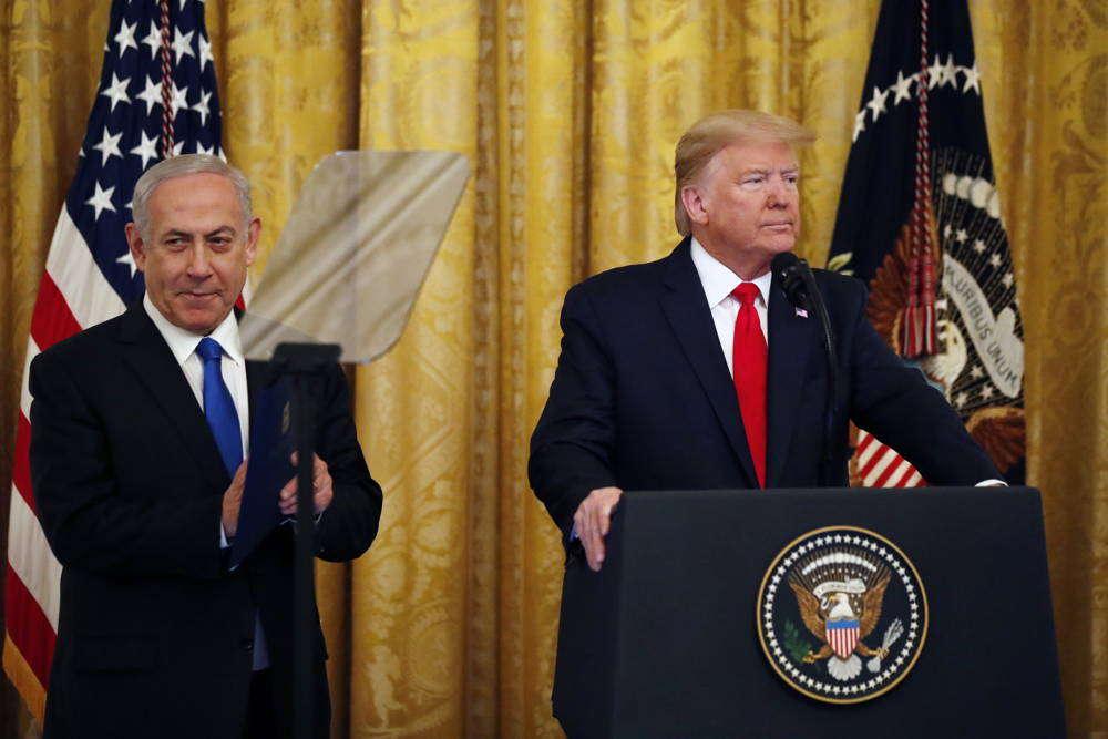 Trump lanza plan de paz para Medio Oriente; Palestina busca