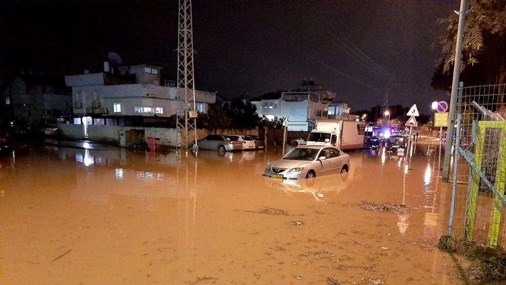 Inundaciones masivas en Israel provocan grandes daños a la infraestructura