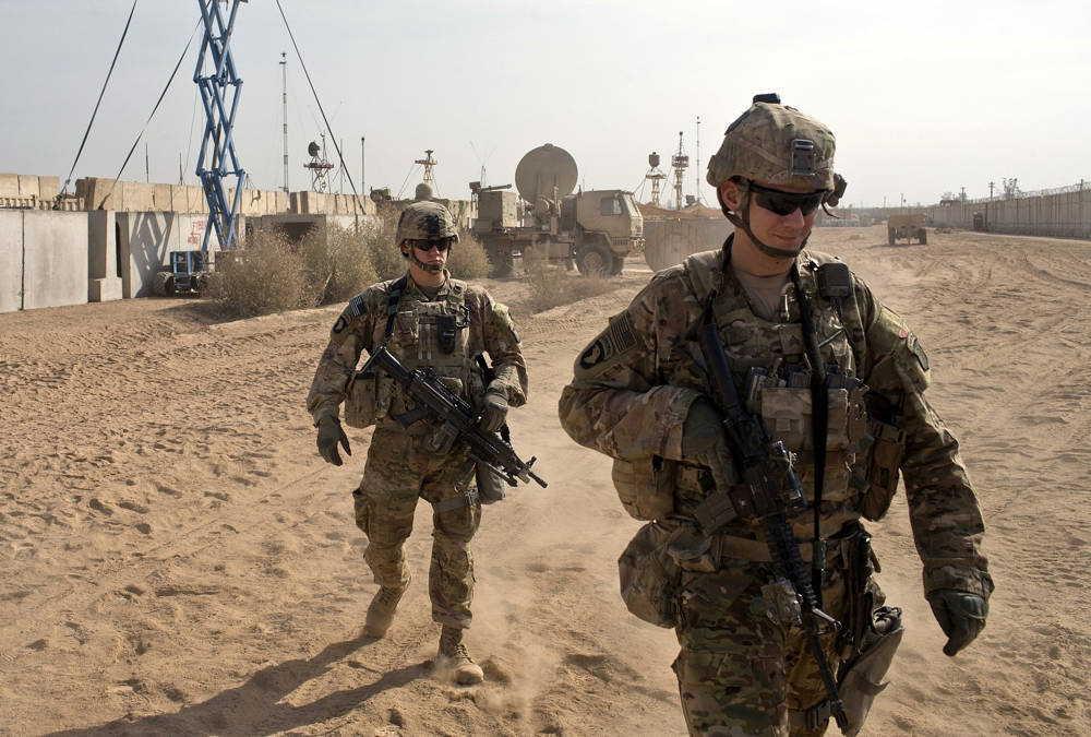 Mundo: Impactan cohetes en base militar de Irak