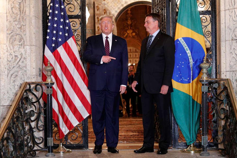 """El presidente brasileño Bolsonaro """"elogia"""" el plan de paz de los EE.UU."""