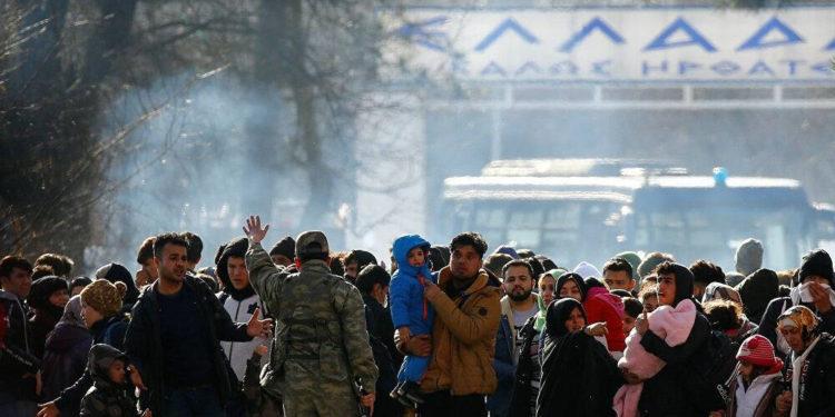 Turquía envía fuerzas especiales a su frontera con Grecia para evitar el retorno de migrantes