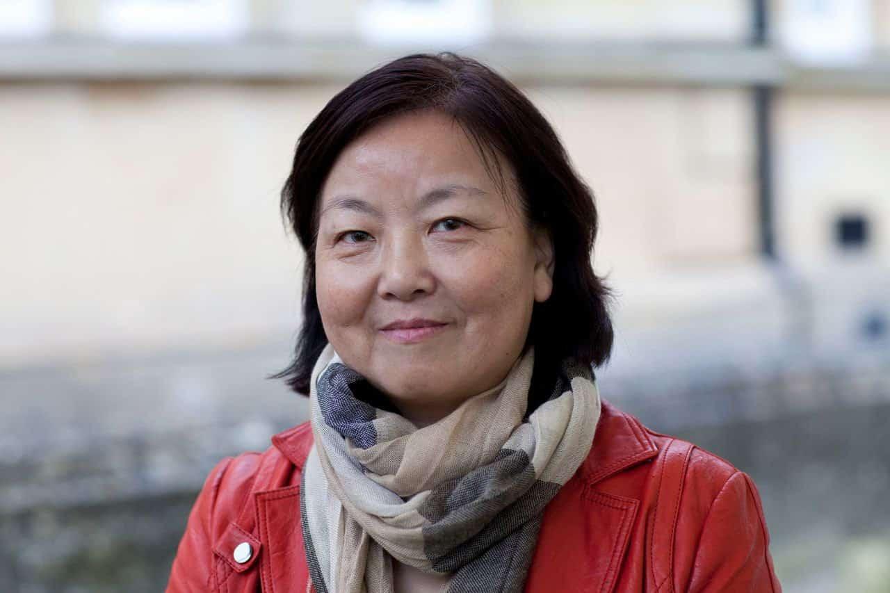 """Una escritora de Wuhan se enfrenta a la maquinaria comunista de China y relata """"la vida y la muerte bajo cuarentena"""""""