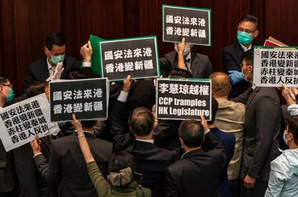 China amenaza con represalias si Estados Unidos interviene en Hong Kong
