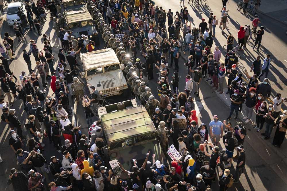 Estados recurren a Guardia Nacional ante disturbios en Minneapolis