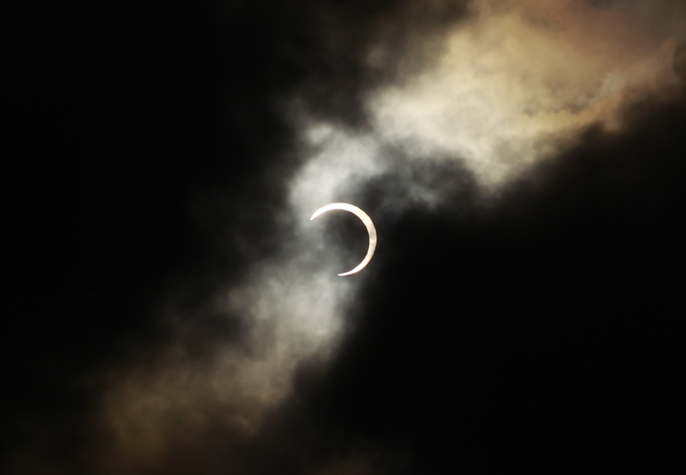 "Impresionante eclipse solar tipo ""anillo de fuego"" oscurecerá partes de África y Asia"