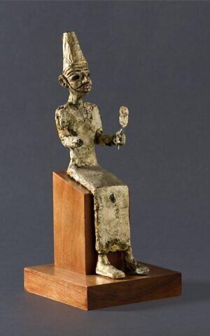 """Cetro encontrado en Israel sería la primera evidencia de """"estatuas divinas"""" de tamaño natural"""