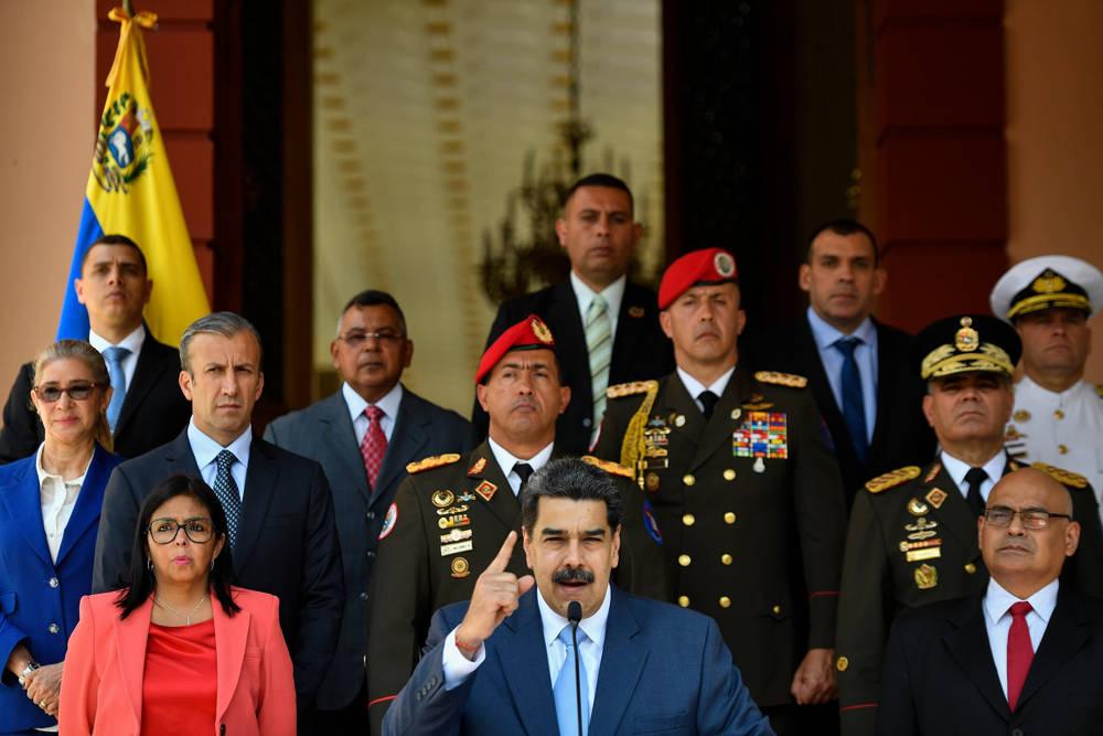 Régimen de Venezuela detiene secretamente a cientos para silenciarlos