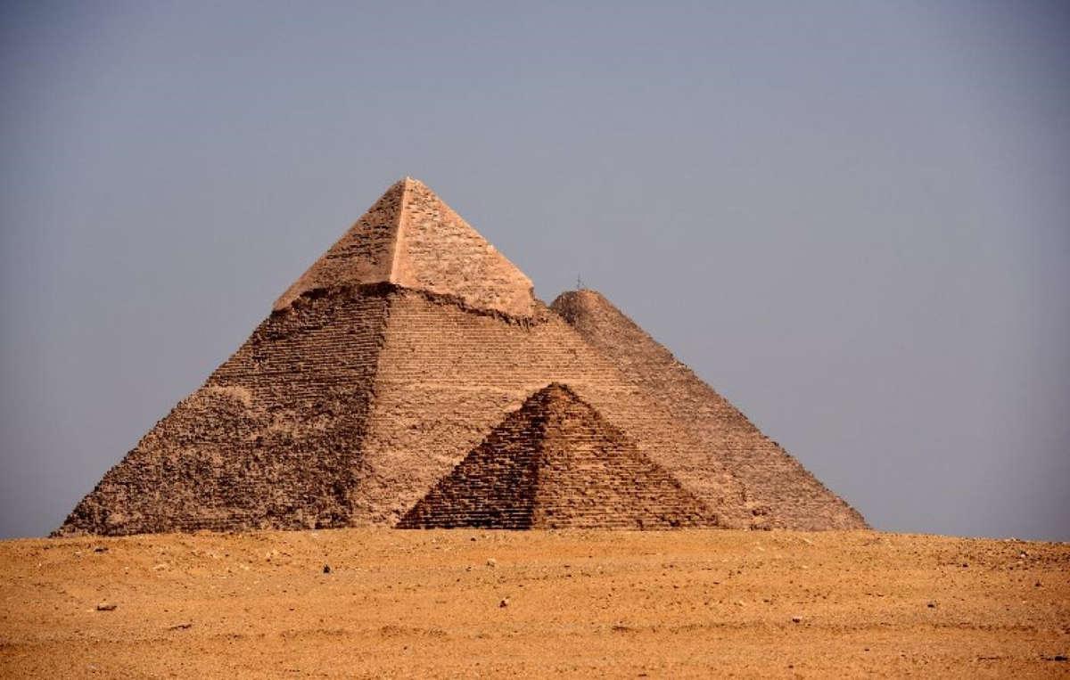 ¿Pirámides hechas por aliens? Egipto invita a Musk a conocer su historia