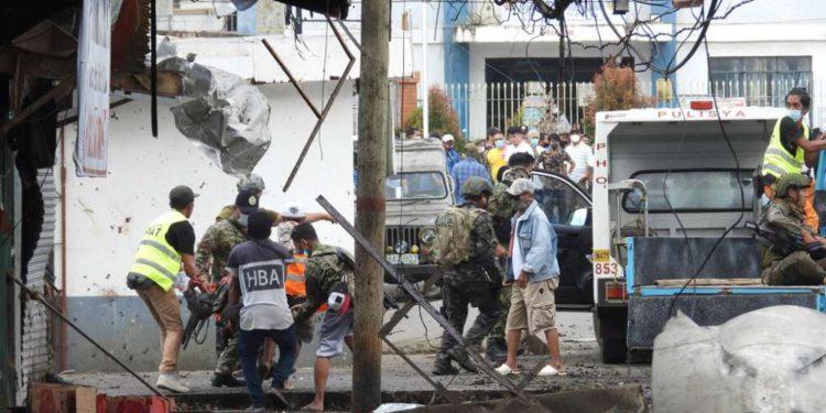 Catorce muertos y decenas de heridos en doble atentado en Filipinas