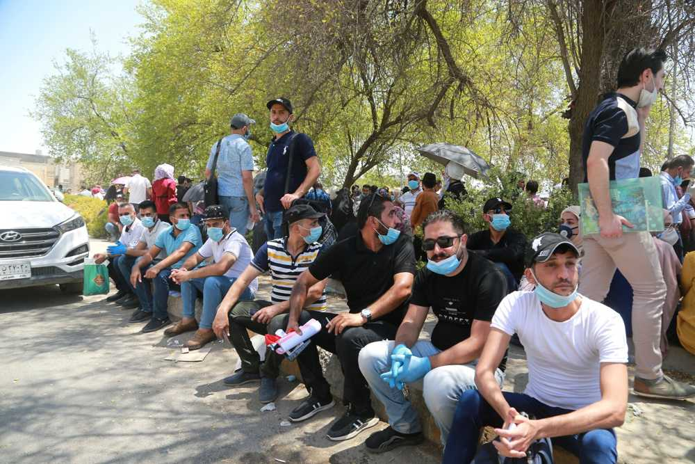 Con Irak, Líbano y Siria en colapso, el coronavirus aumenta la desesperación de los jóvenes